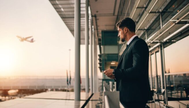 Airport-travel-for-business-man-1-min